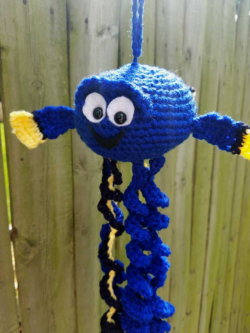 Check out this free crochet pattern for a Dory Jellyfish mod!